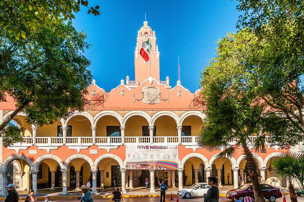 Der Palacio Municipal am Plaza de la Indepedencia